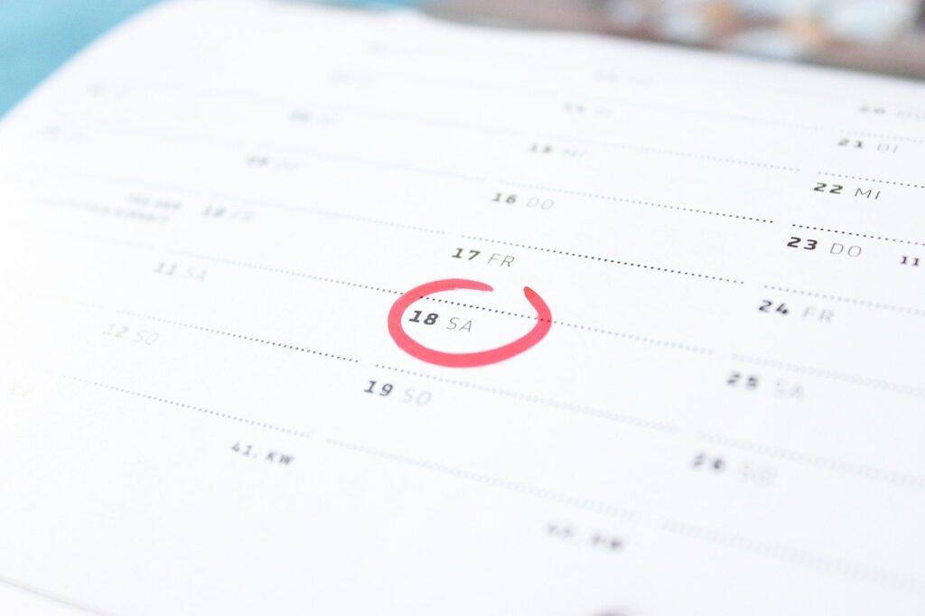【Javascript】曜日を取得する方法【コピペで動きます】